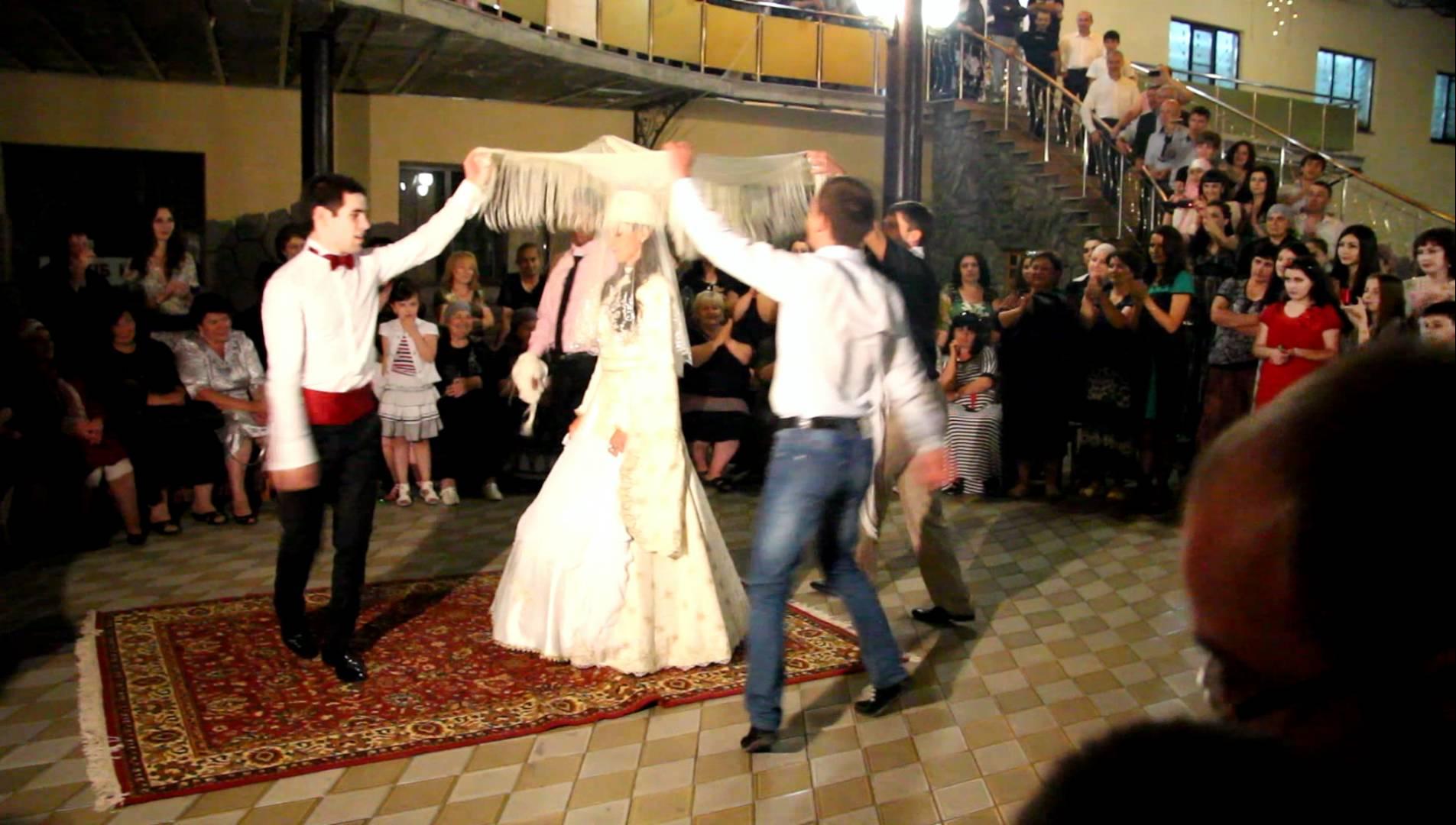 Смотреть первое брачное ночь узбечки 19 фотография