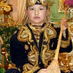 1351155940_malchik-s-dombroj